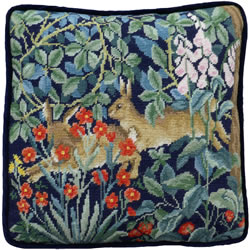 Petit Point borduurpakket Henry Dearle - Greenery Hares Tapestry - Bothy Threads
