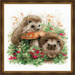 Borduurpakket Hedgehogs in Lingonberries - RIOLIS