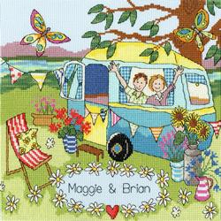 Borduurpakket Julia Rigby - Our Caravan - Bothy Threads