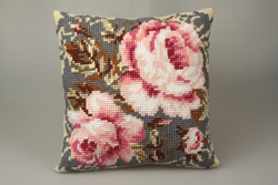Cushion cross stitch kit Timeless Pinks - Collection d'Art