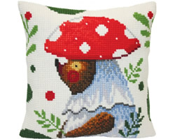 Cushion cross stitch kit Bear Walking in the Forest  - Collection d'Art