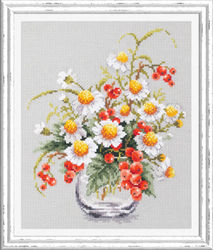 Cross stitch kit Chamomile and Red Currant - Chudo Igla