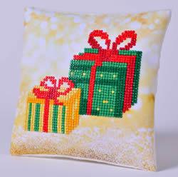 Diamond Dotz Christmas Gifts Pillow - Needleart World