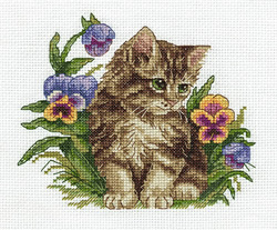 Cross stitch kit Kitten among Pansies - PANNA