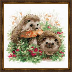 Borduurpakket Hedgehogs in Lingonberries - RIOLIS