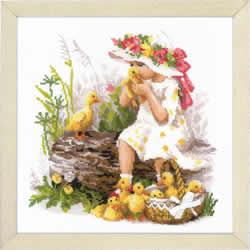 Borduurpakket Girl with Ducklings  - RIOLIS
