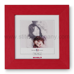 Wooden frame 14 x 14 cm, red - The Stitch Company